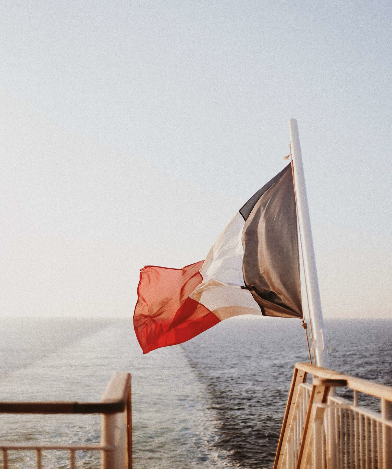 Looking for a great family holiday in France ? Follow us !