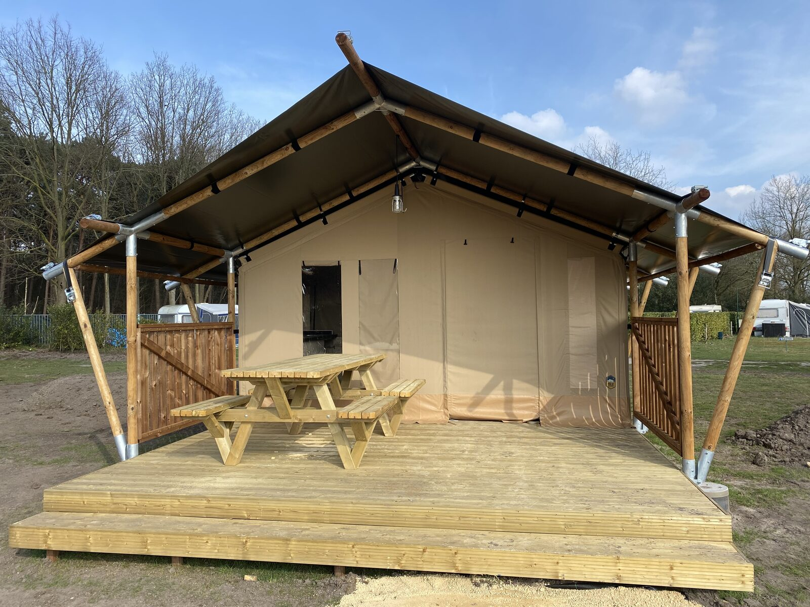 bungalow de luxe tent glamping type 2 ( 5 PERS. )