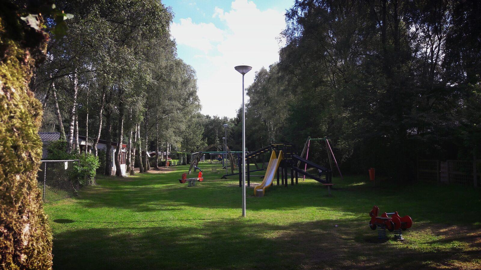 Mehrere Spielplätze