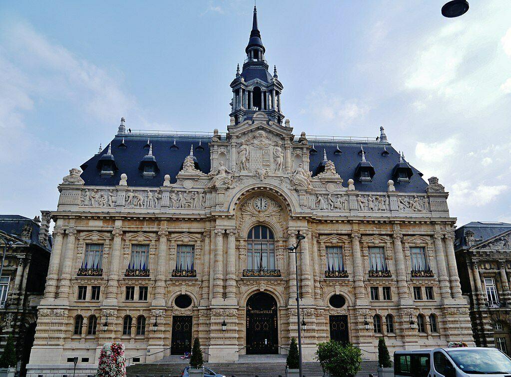 Het eclecticistische stadhuis van de noordelijke industriestad Roubaix.