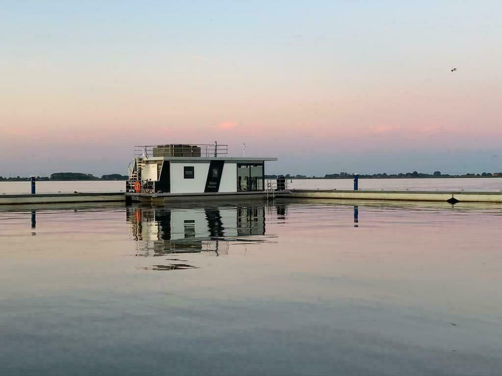Overnacht op een woonboot in Friesland