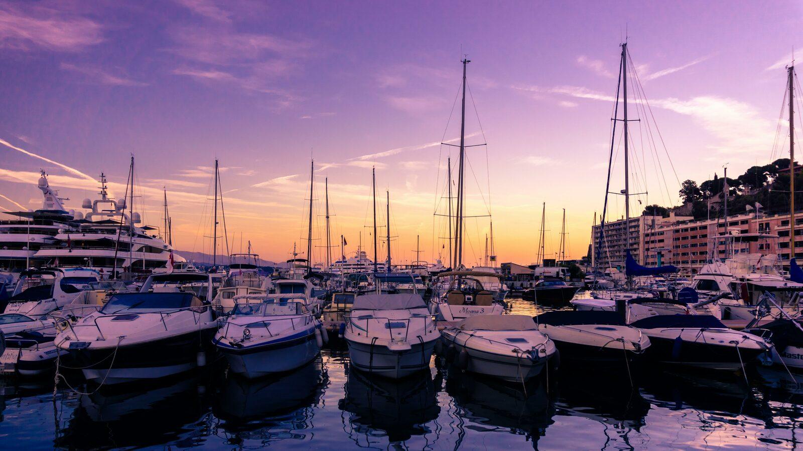Le port de Monaco sur la Côte d'Azur