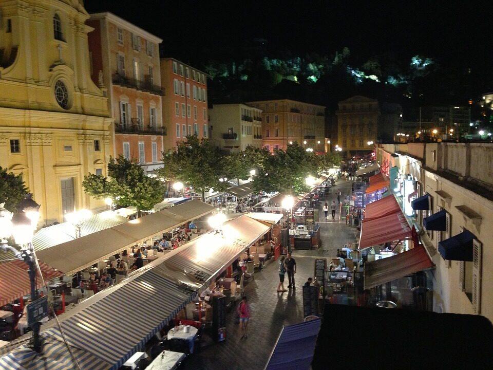 La vieille ville de Nice et ses nombreux restaurants