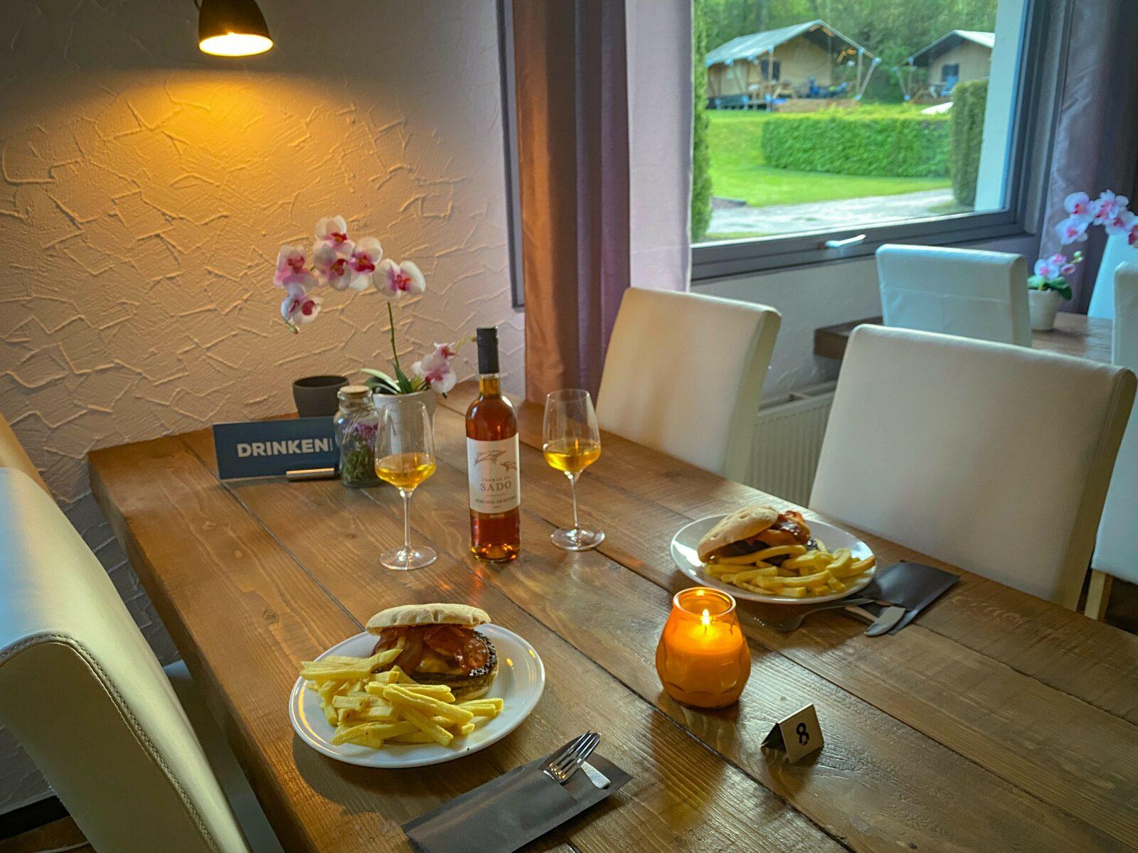 dineren in restaurant Walsdorf