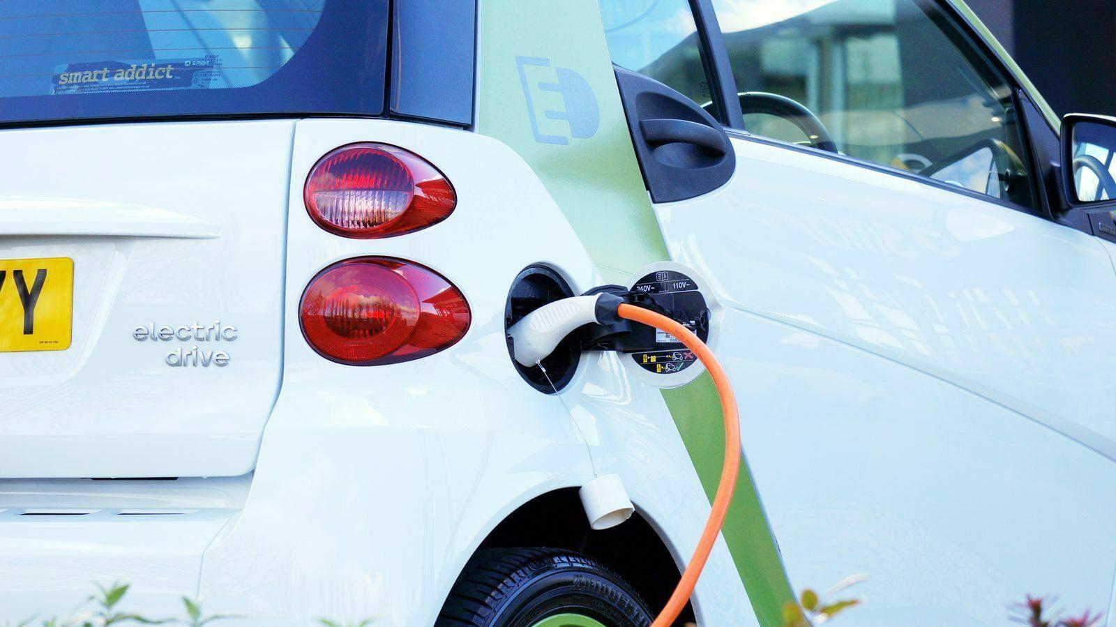 Oplaadpunt elektrische auto (incl. snellader)
