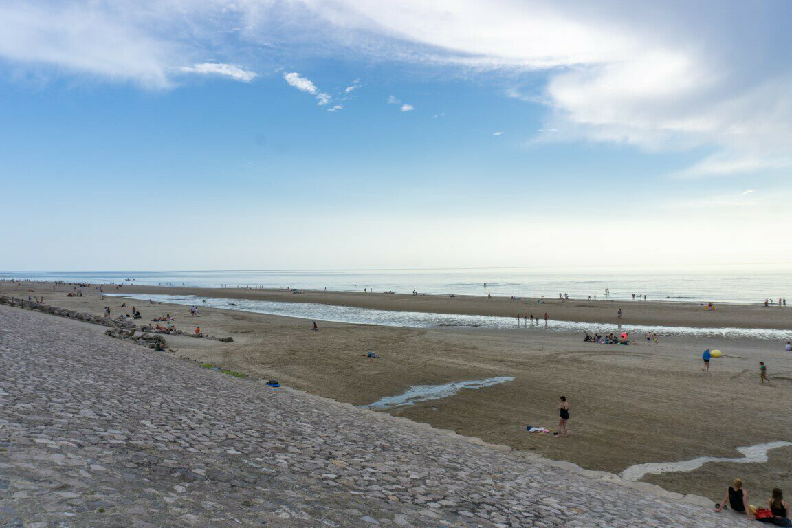 Digue de la plage de Hardelot sur la Côte d'Opale