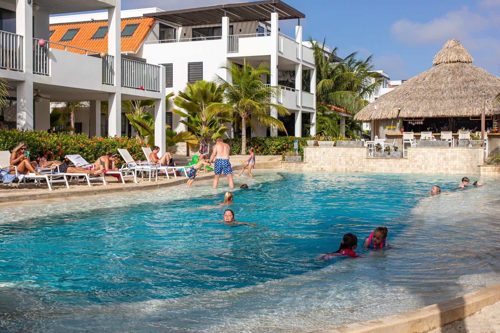 Ein Resort mit eigenem Schwimmbad