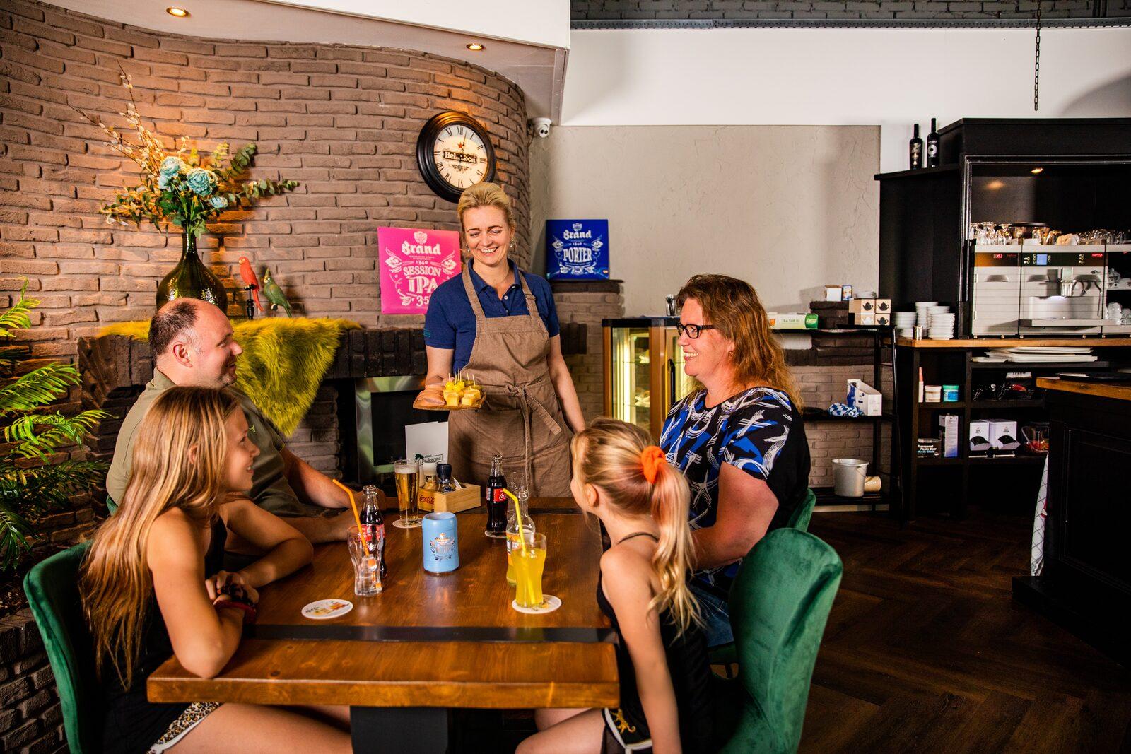 Café - Restaurant - Snackbar