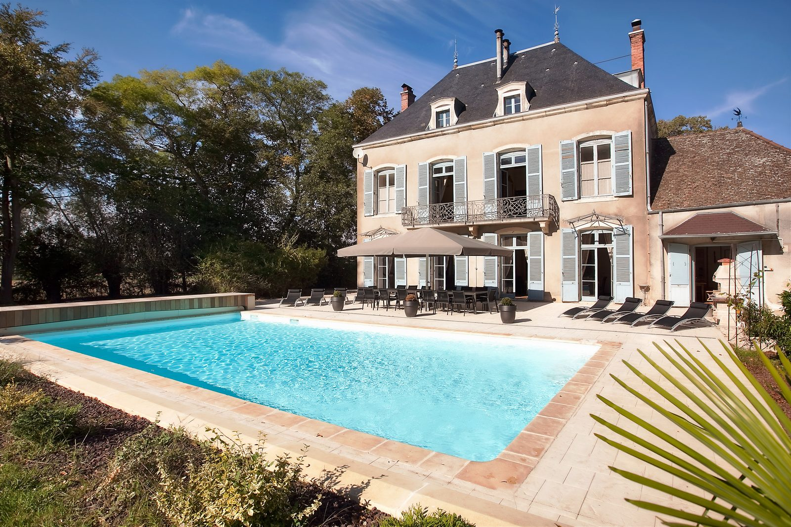 luxe vakantiehuis met verwarmd zwembad in Nederland, België, Frankijk