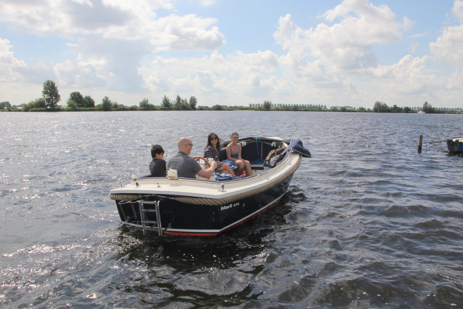 Boat rental to park guests (unfortunately under repair)