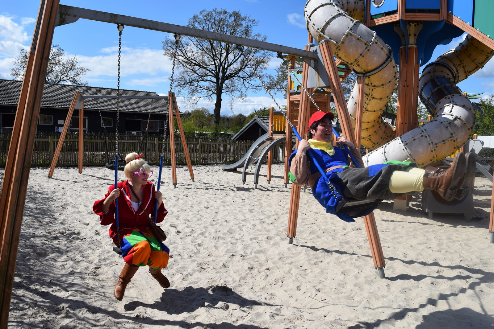 Mascots Keessie and Willie on the Veluwe | Recreation Park De Boshoek