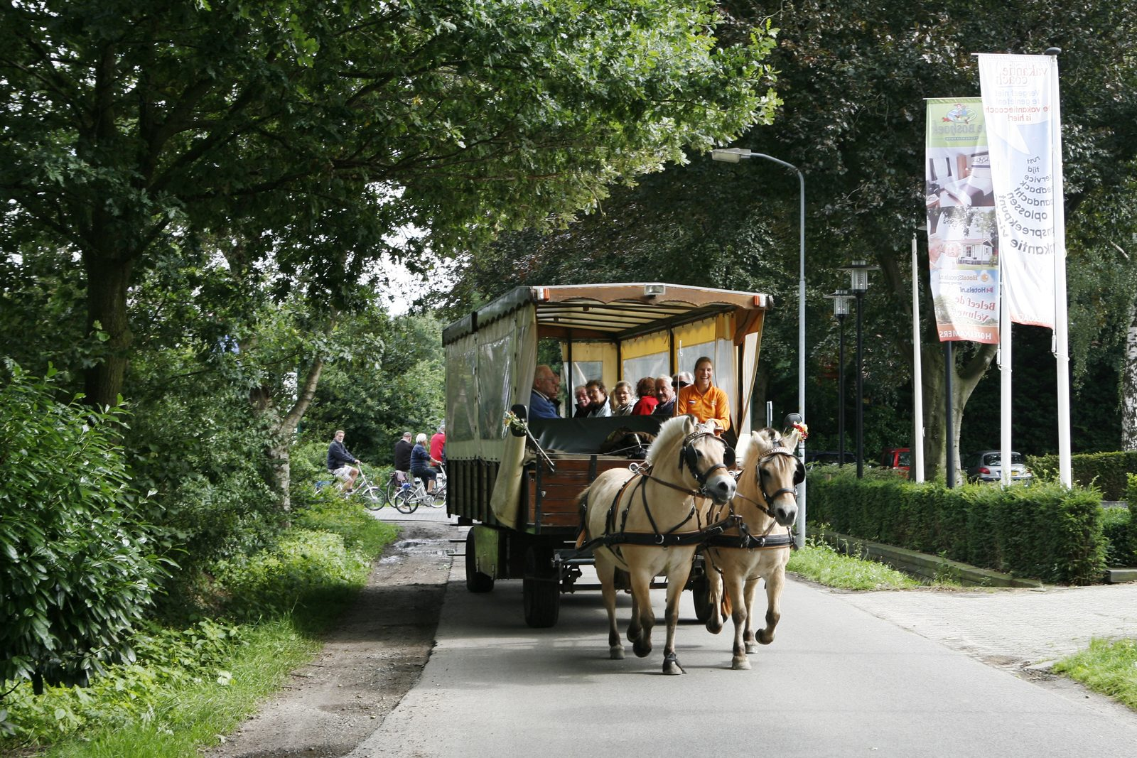Covered wagon ride in Voorthuizen
