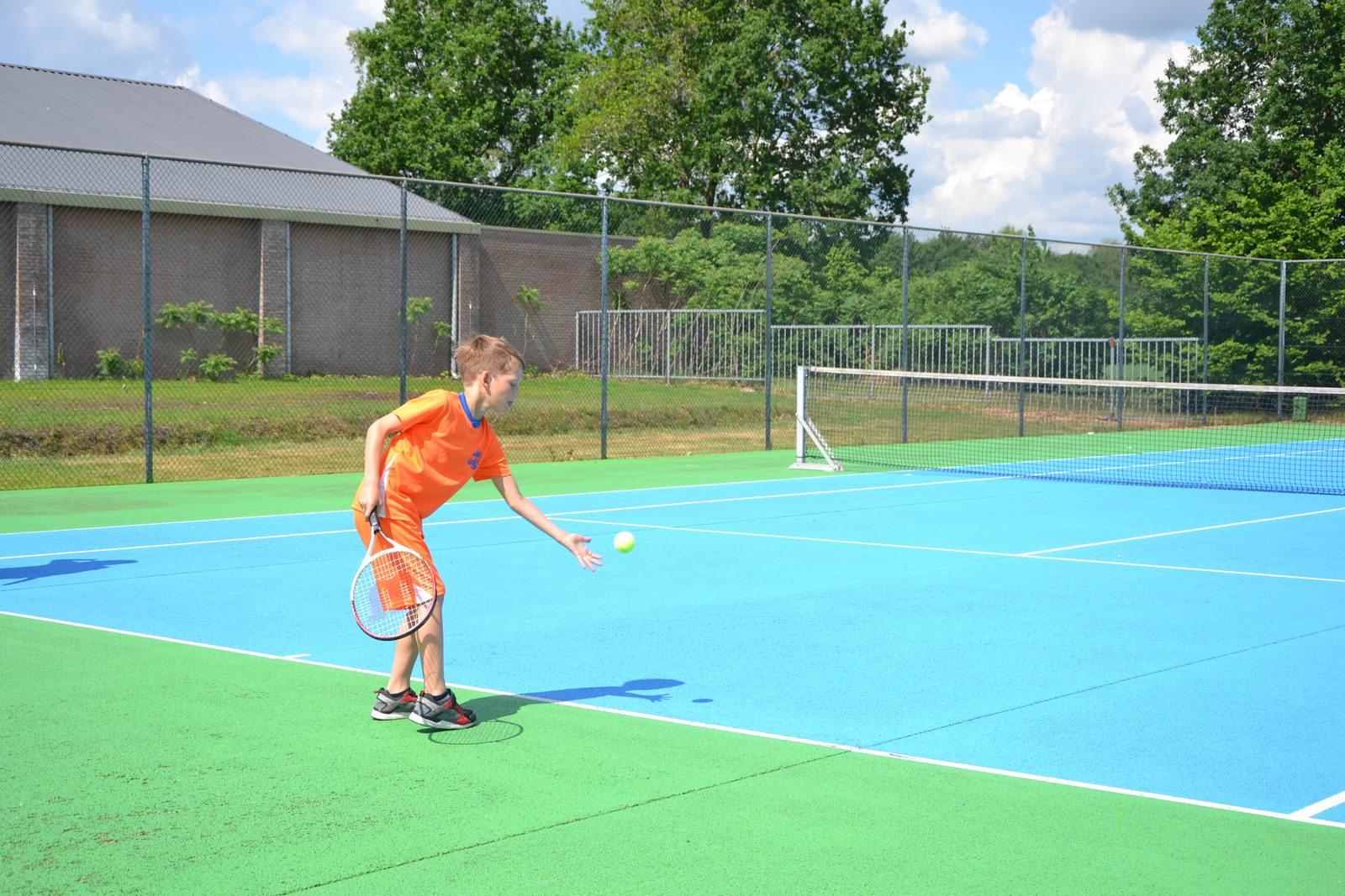 Tennis op onze all-weather tennisbaan