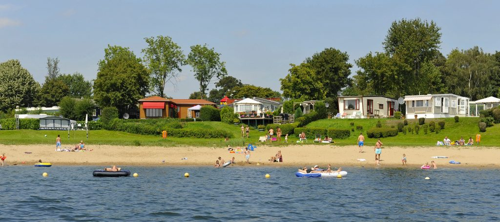 Holiday resorts by the water