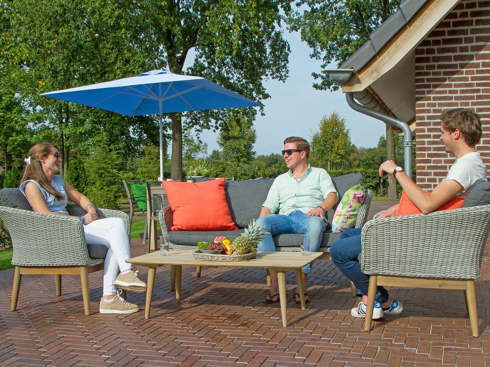 Borrelen op het terras van uw vakantievilla op Hof van Salland