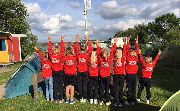 Voetbalclub IJburg meisjes team