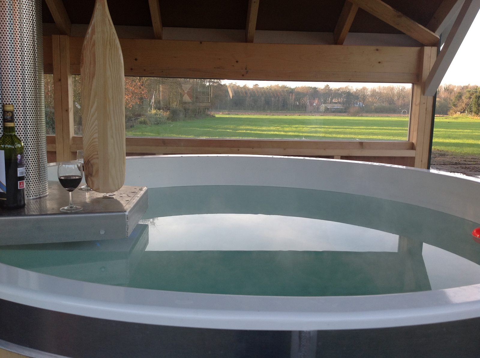 Holiday homes with hot tub