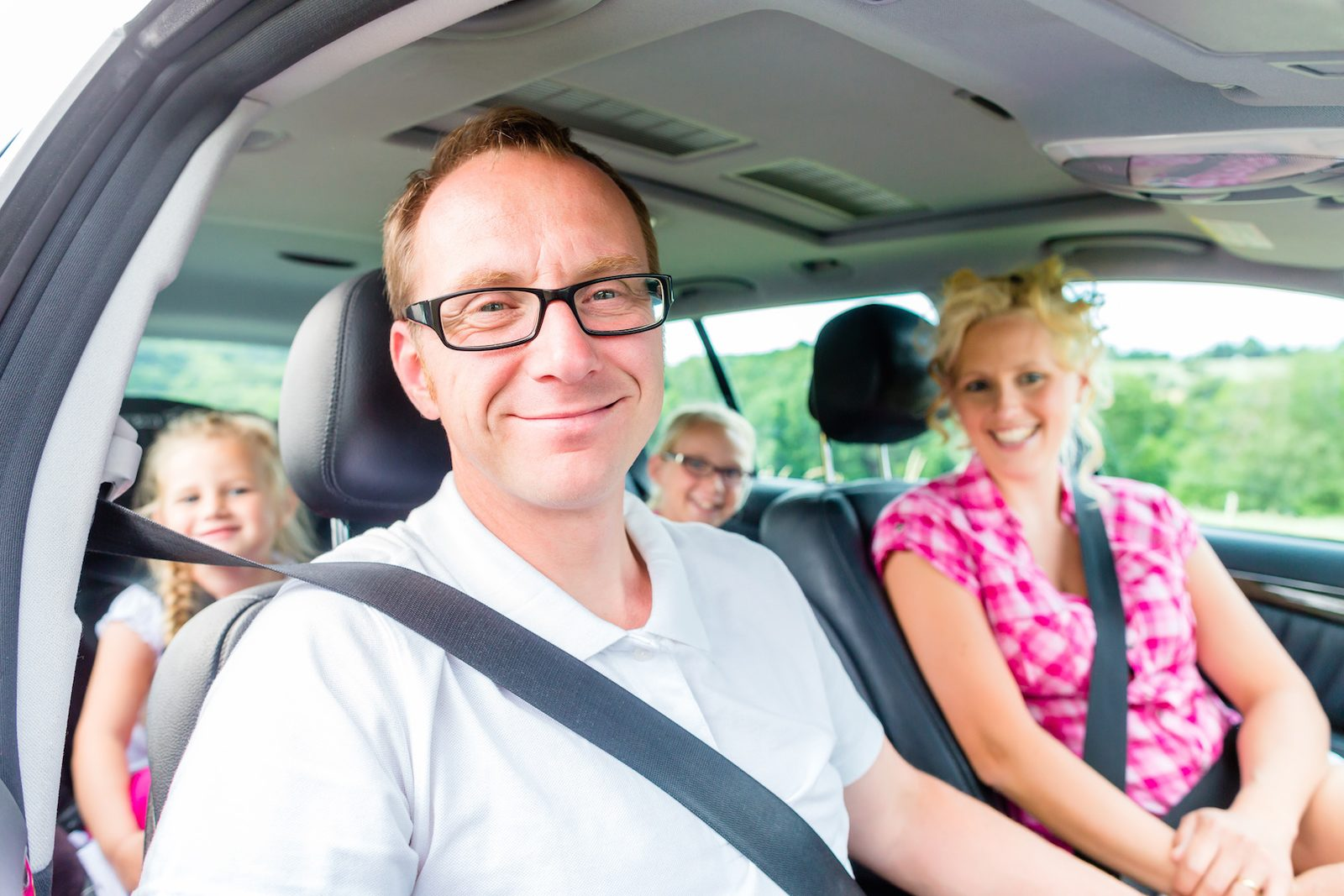 Skiurlaub? Vermeiden Sie Verkehr und Ladestationsstress!