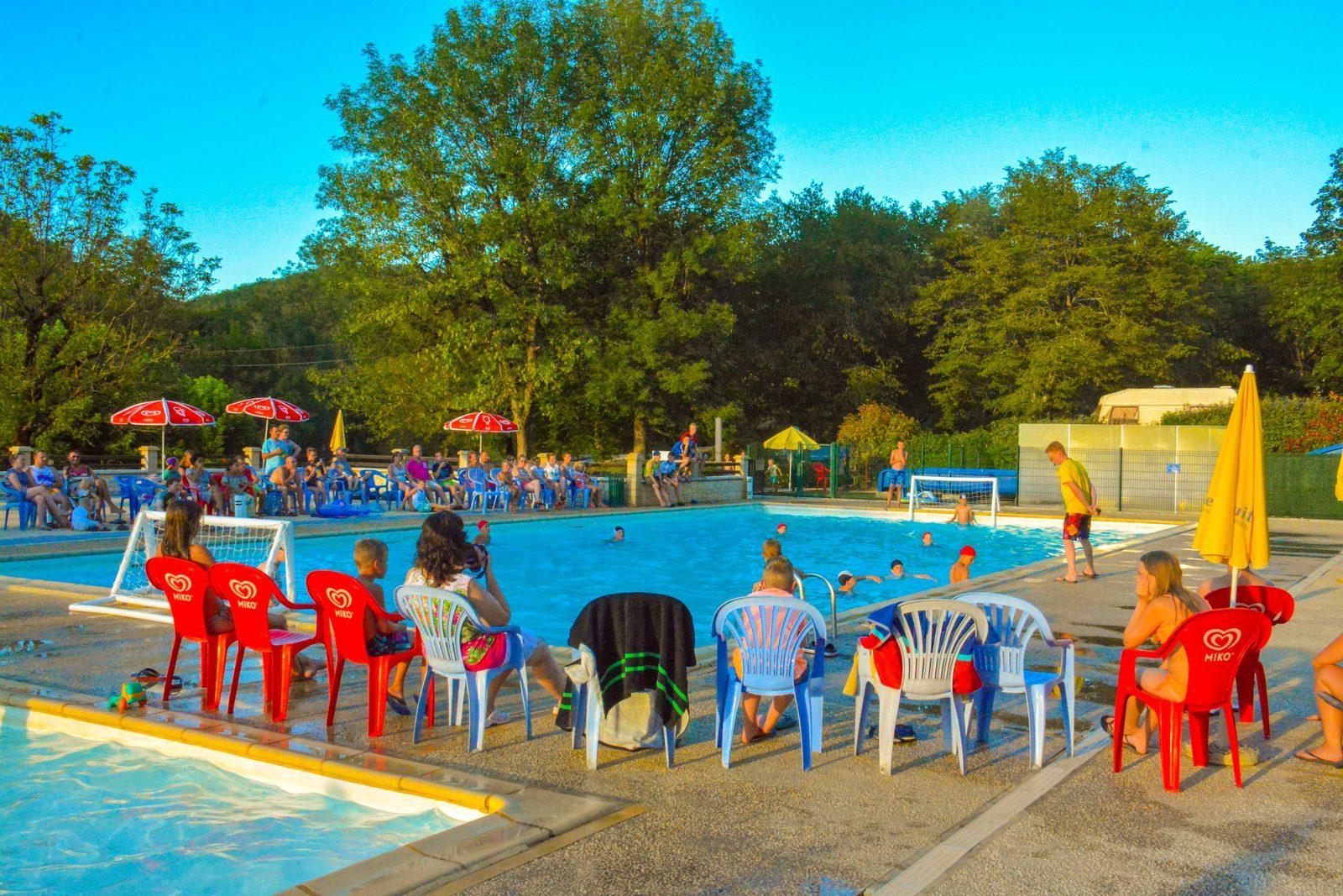waterpolo op La Draille Beter Uit vakantiepark