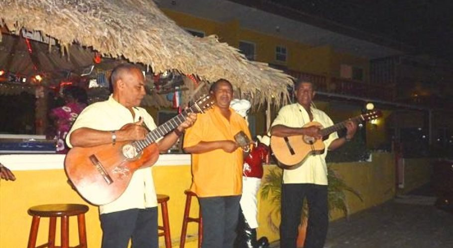 Curaçaose avond