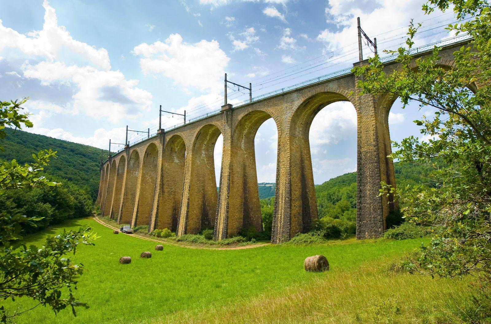 spoorweg viaduct van Souillac bij La Draille