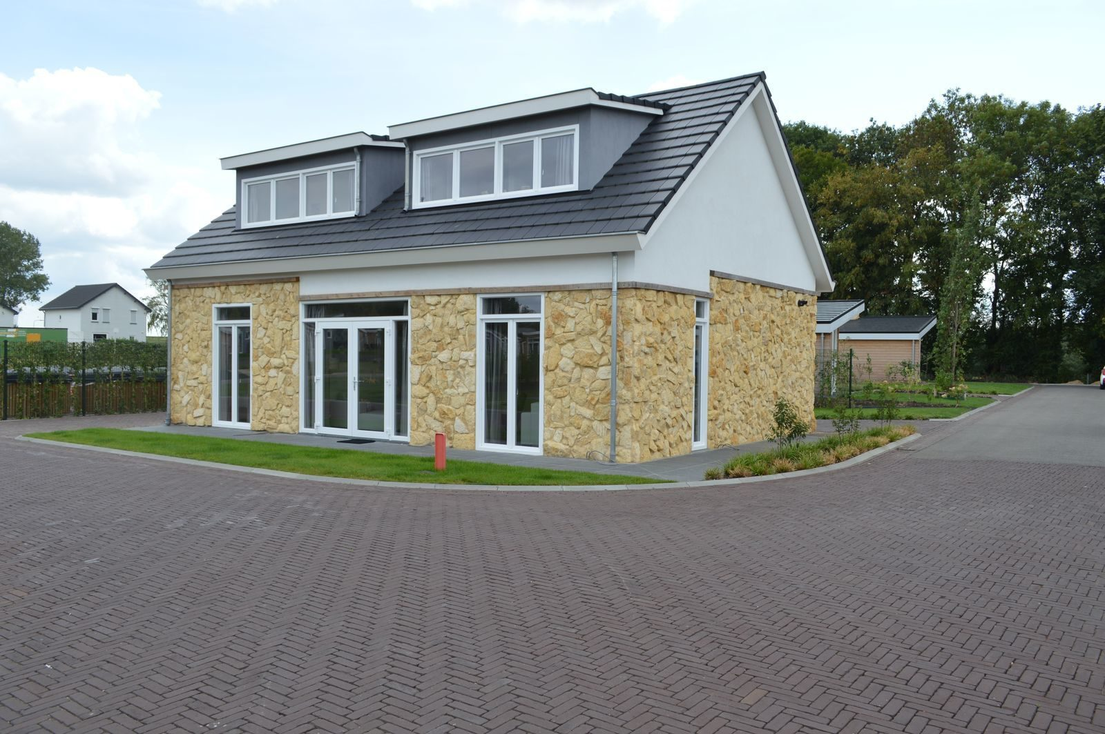 Holiday home for 12 people Limburg