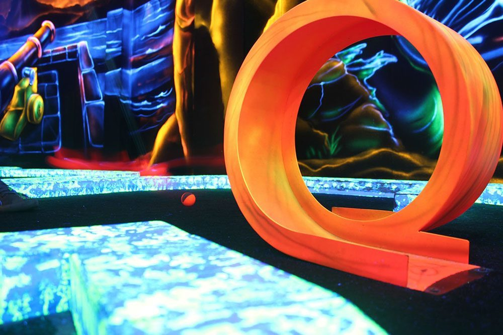 Goolfy Black Light Minigolf Blankenberge