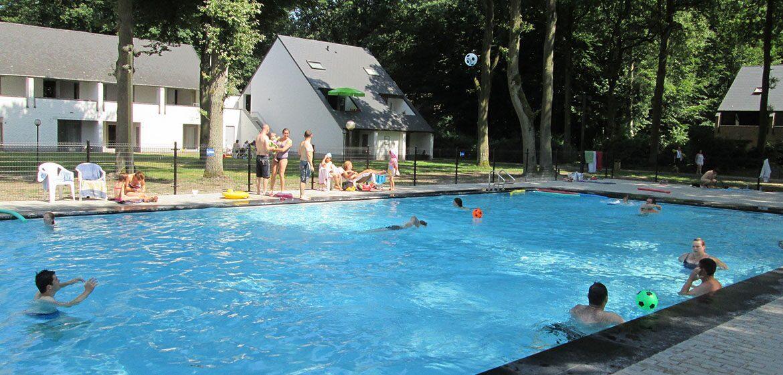 Holiday Suites Houthalen-Helchteren Openluchtzwembad
