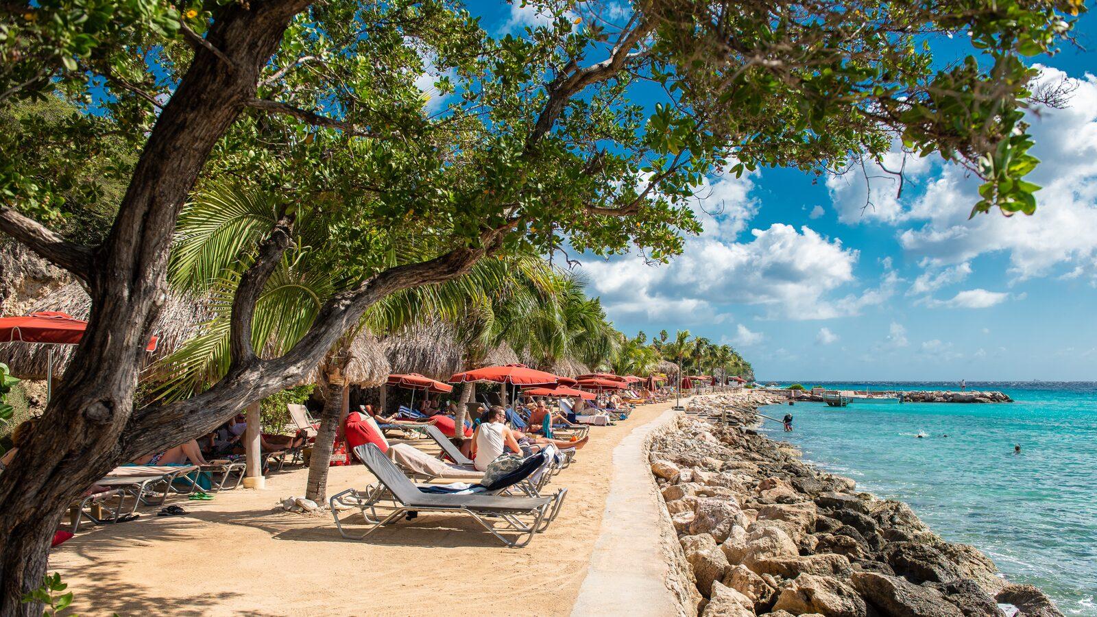 Strand bij Karakter beachclub