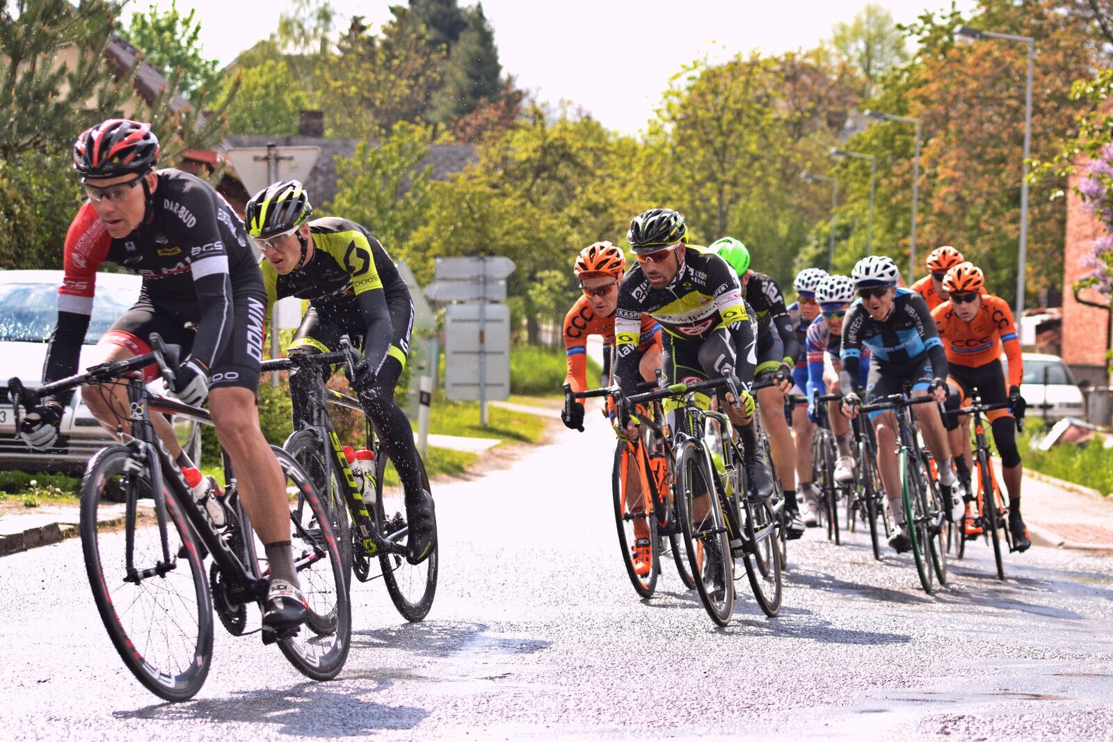 Sta aan de finish tijdens de Amstel Gold Race 2021 - TopParken
