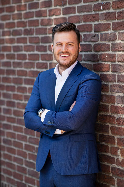 Dit is Sybe, Recreatie Expert bij DURFF. Hij helpt ondernemers op het gebied van automatisering, sales en social media.