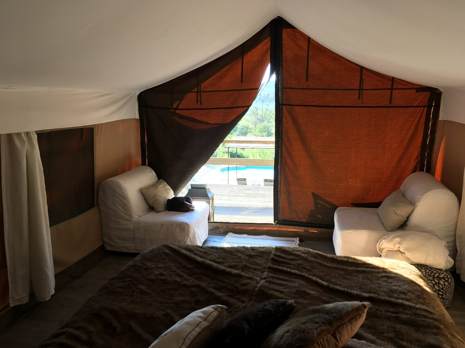 Glamping in een safaritent bij le Paradis in Goudargues