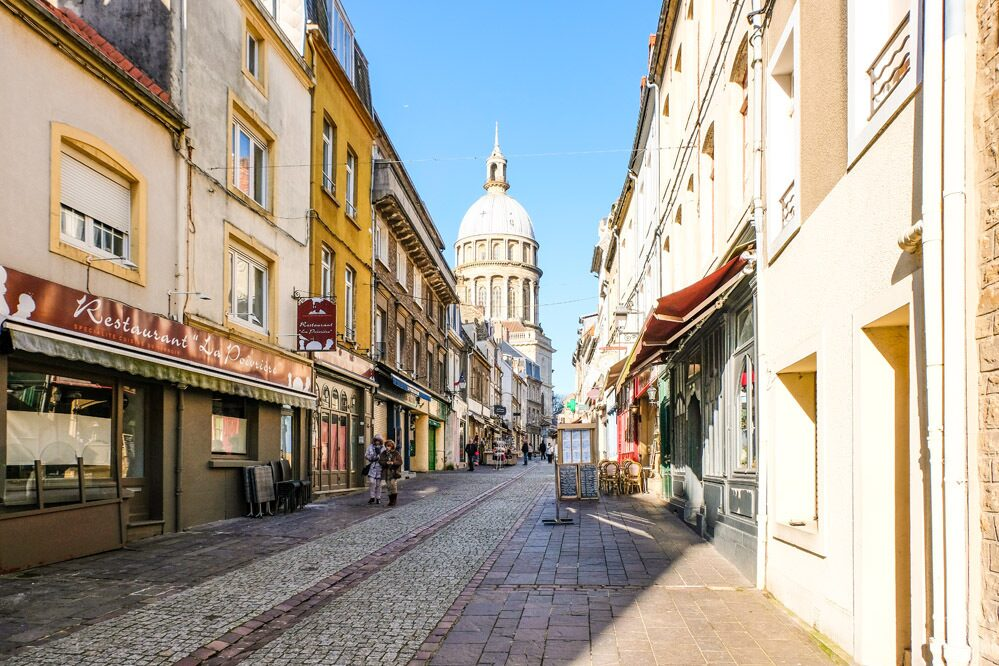 Visit the historic center of Boulogne sur Mer