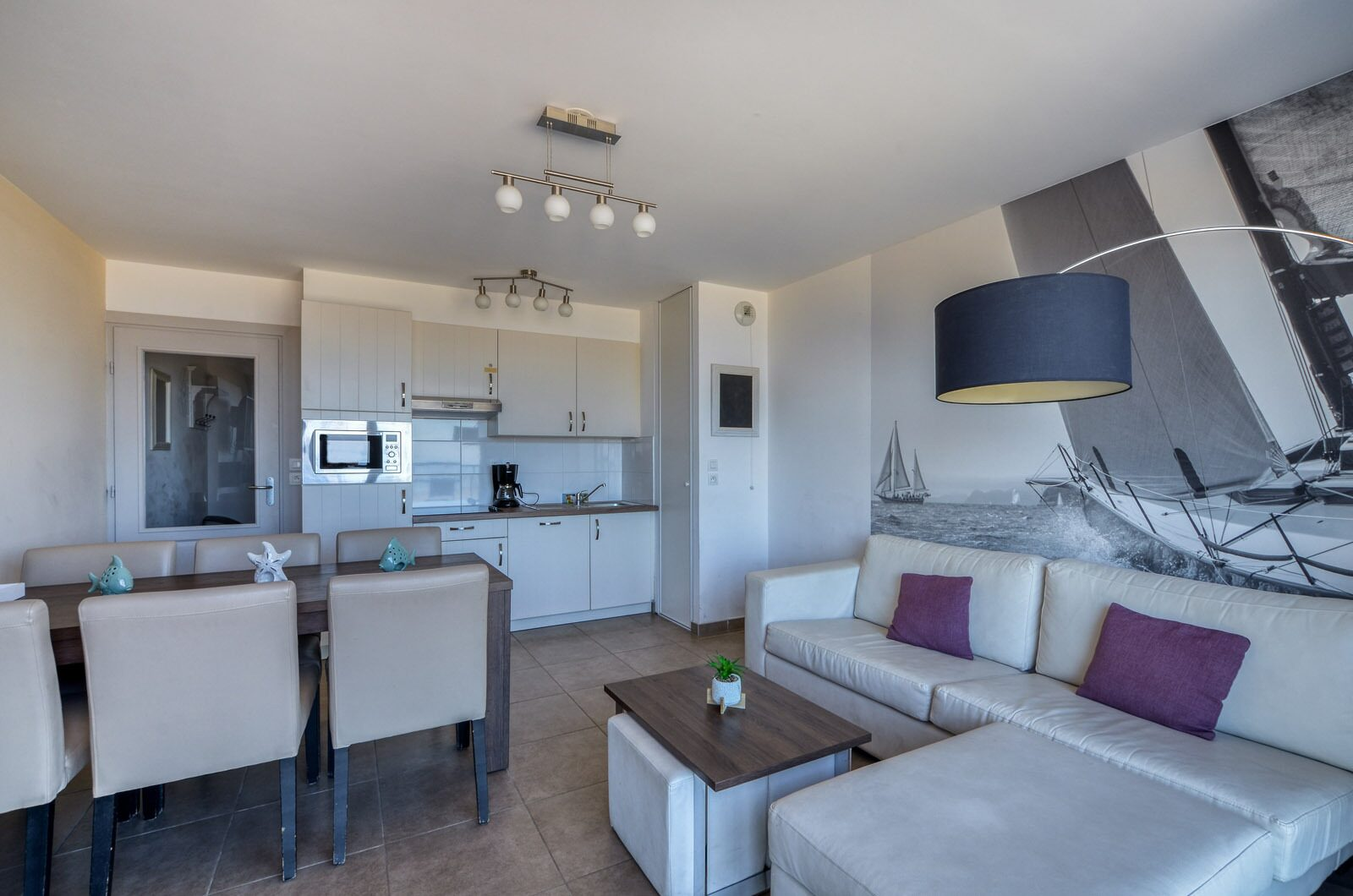 Comfortable apartments for up to 6 people with seaview