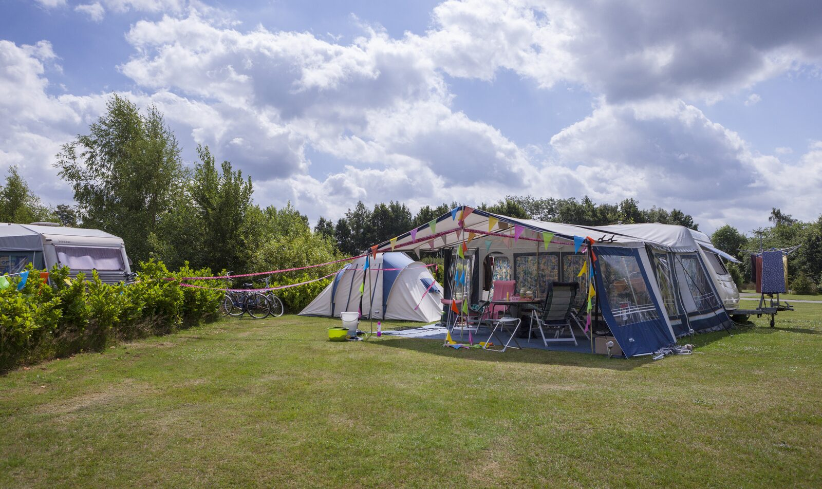 Camping with private sanitary facilities