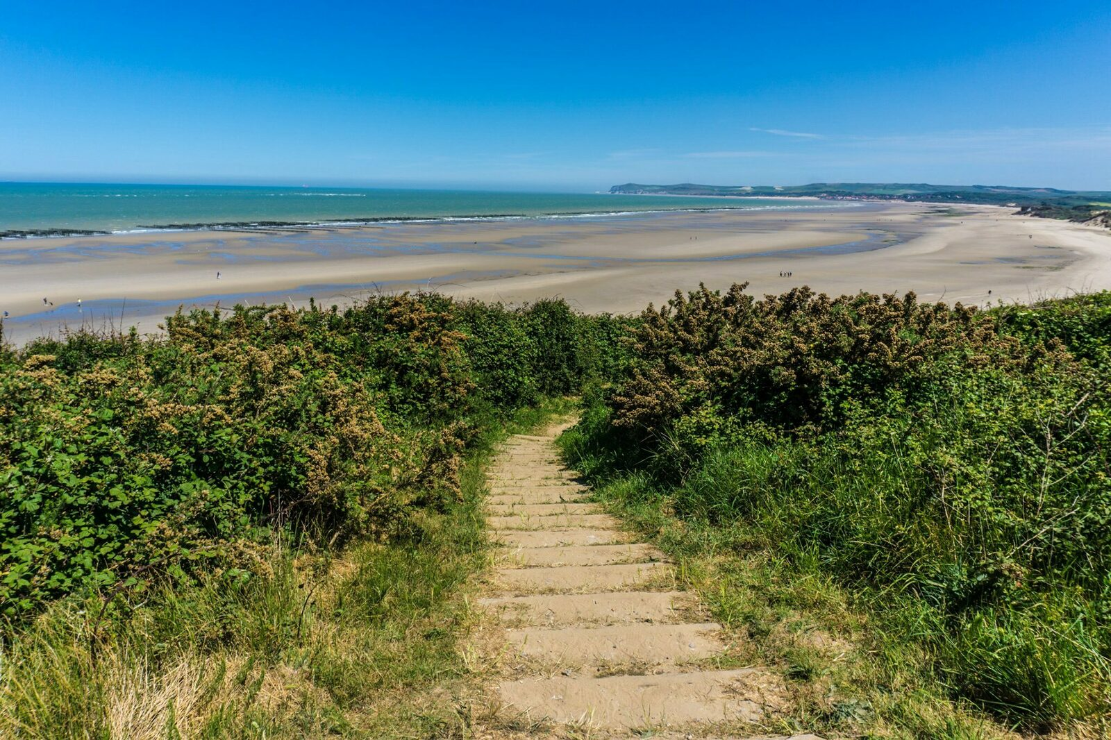 Hiking trail from the top of Cap Blanc Nez with a magnificent view of the Opal Coast.