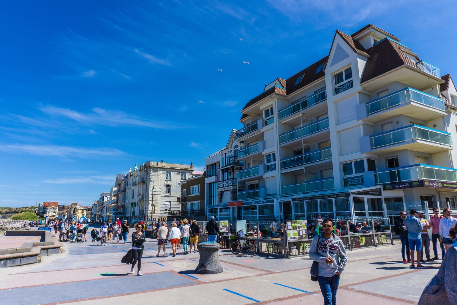 Restaurants on the Opal Coast in Wimereux on a busy day.