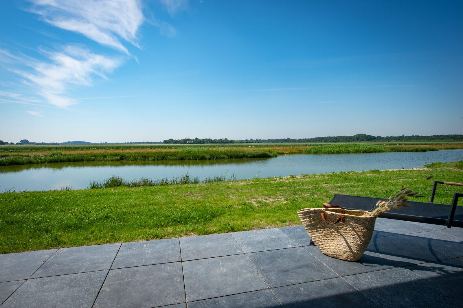 Luxe vakantiehuis zeeland waterlijn 40