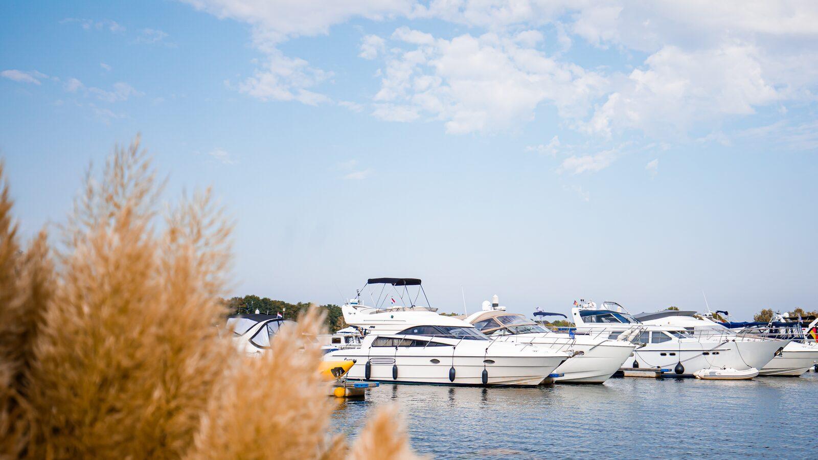 Campingplatz mit Yachthafen