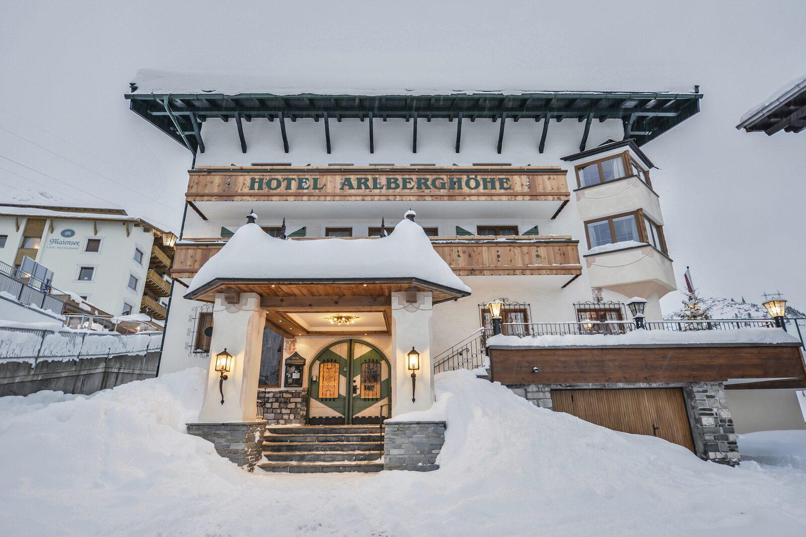 Hotel Arlberghöhe | Unbegrenzter Wintersportgenuss in Tirol